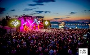 Még nincs strandidő, de az ingyenes koncertek miatt érdemes leugrani Siófokra