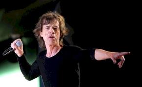 Így táncol a szívműtéten átesett Mick Jagger