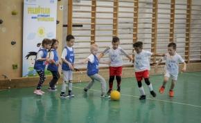 Óvodásoknak szervez focibajnokságot az Ökumenikus Segélyszervezet Miskolcon