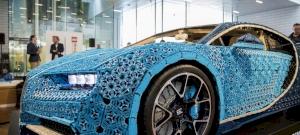 Megépítették a világ első legóautóját - egy Bugatti Chiróról mintázták