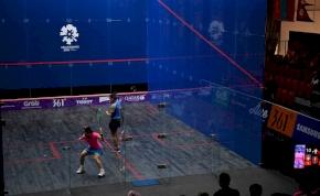 Vibrátort kapott a győztes egy női squash-bajnokságon