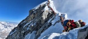 Tíznél tart a halálos balesetek száma az Everesten