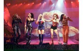 Sok rajongó kisétált a Spice Girls koncertjéről