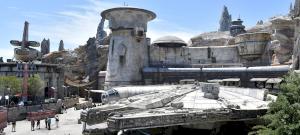 A Disney átadta lenyűgöző Star Wars parkját, a Galaxy's Edge-t