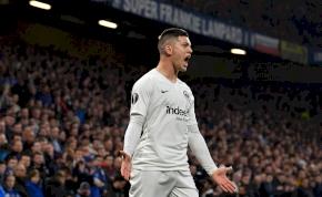 A Real Madrid leigazolta a kevésbé harapós Suarezt