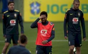 Neymar összetört, a Copa Américát is lemondaná