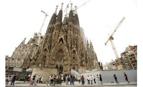 137 év után építési engedélyt kapott a Sagrada Familia