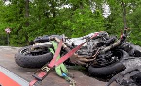 Autópálya, Magyarország: árokba küldte a motorost és ott is hagyta