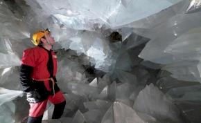 Hosszú évek munkája után megnyílt a káprázatos kristálybarlang