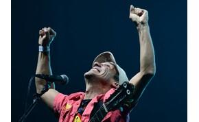Manu Chao nem ragadt le Maradonánál, új dalt írt 10 év után