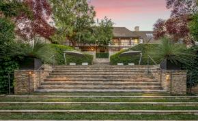 Több mint 14 milliárdért megveheted Brad Pitt és Jennifer Aniston egykori házát
