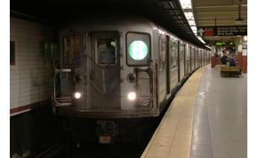 Backstreet Boys dalt énekelt egy egész metrókocsi