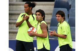 A részeges Ronaldinhónak Messi miatt kellett mennie a Barcából