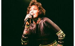 Így még nem hallottad Whitney Houston sokáig ismeretlen dalát