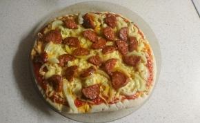 Végre elkészítettük Elek Zoltán mikrós pizzáját