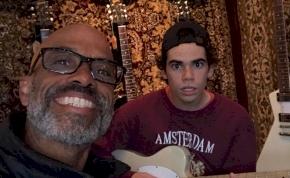 Cameron Boyce apja megosztotta a fiáról készült utolsó fotót