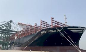 Útra kelt a valaha volt legnagyobb tengeri szállítóhajó – videó