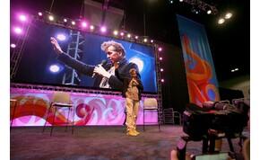 Torokrákja miatt már érthetetlen Val Kilmer beszéde – videó
