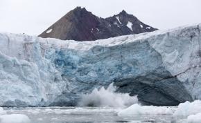 Emléktáblát kap a gleccser, amit eltüntetett a klímaváltozás