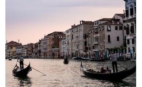 Most gyalogolhatnak a nagy tengerjárók utasai, ha látni akarják Velencét