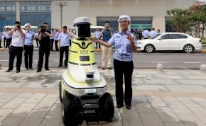 Kínában már a rendőr is robot, és nem semmi, hogy miket tud