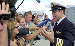 Travolta hatalmas ajándékgépe még éppen el tud repülni Ausztráliába
