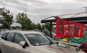 Mozgássérült helyre parkolt az autós, egyedi módon büntették meg