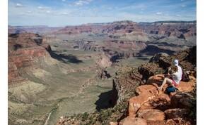 Lélegzetelállító time-lapse videó készült a Grand Canyonról