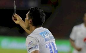 Egy kolumbiai focimeccs odáig fajult, hogy egy kés is előkerült