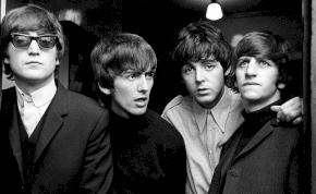 Majd négy millió forint értékű Beatles-felvételeket találtak egy kenyértartóban – videók