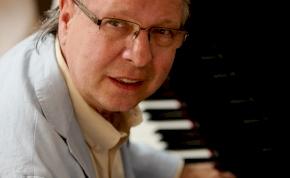 Életműkoncertet ad Balázs Fecó