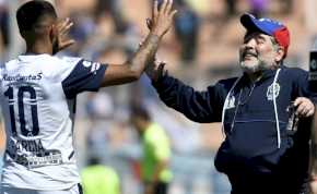 Maradona megmutatta, hogy hogyan kell mulatni