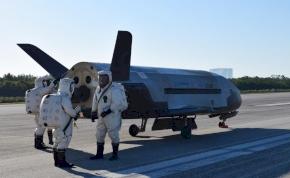 Két évig tartó titkos út után visszatért a Földre a pilóta nélküli űrrepülőgép