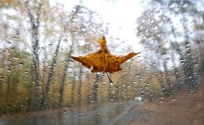 Rossz hírek: drámai mértékben zuhan a hőmérséklet, és az esőt sem ússzuk meg