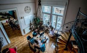Már a magyarok is kezdik felfedezni a közösségi irodák előnyeit