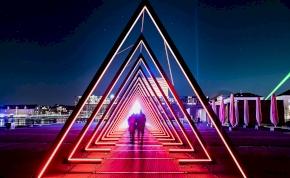 UFO-város: szürreálisan festenek a házak a magasból – fotó