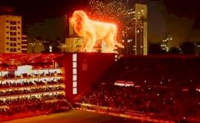 Lángoló oroszlánnal tért vissza stadionjába az argentin klub – videó