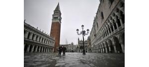 Velence víz alatt: sokkoló képeken az olasz város - galéria