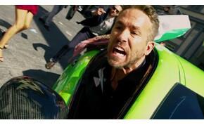 Ryan Reynolds kocsikázgat egyet Olaszországban