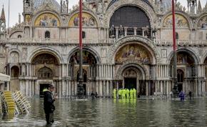 Menthetetlen a Szent Márk székesegyház? Végzetes károkat okozott a tengervíz