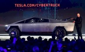 Bemutatták a Tesla Cybertruck törhetetlen üvegét, nem kellett volna – videó