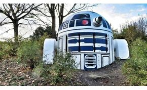 Ha Prágában jársz, látnod kell R2-D2 szobrát