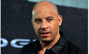 Vin Diesel félmeztelen képpel közölte az örömhírét rajongóival