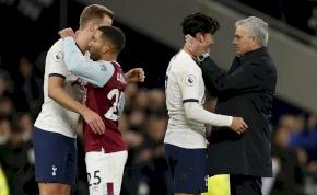 Nyolcan üldözték a Tottenham gólt rúgó csatárát – videó