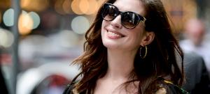 Eltitkolt szülés: újszülött gyerekével kapták le a gyönyörű színésznőt