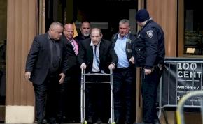 Metoo: Harvey Weinstein peren kívül megegyezett az őt vádló nőkkel