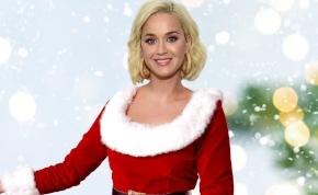 Katy Perry szettjétől még a Mikulásnak is elállt a lélegzete – fotó