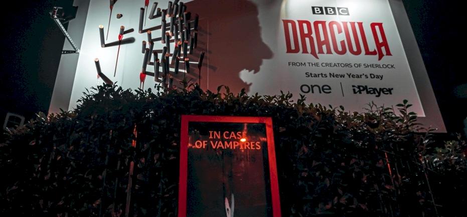 """Képtalálat a következőre: """"drakula netflix plakát"""""""