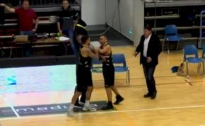 Saját csapattársát ütötte egy bajai kosaras – videó