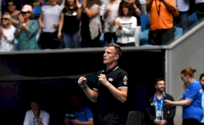 Australian Open: Fucsovics pályafutása legnagyobb győzelmét aratta – videó